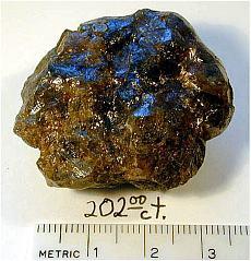 08ebb689cae6fe Określa się tym terminem formy polikrystalicznego diamentu, o różnym  skupieniu kryształów, fragmenty kryształów zbyt małe, zbyt zanieczyszczone.