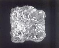 7f1938f153db1d fot.20 cube to typ surowych diamentów, w którym piękne kryształy o dobrym  wykształceniu i czystości, są rzadkie. Na dodatek są uważane przez  szlifierzy za ...